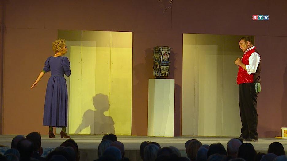 """Ausschnitt einer Szene der Operrette """"Im weißen Rössl"""""""